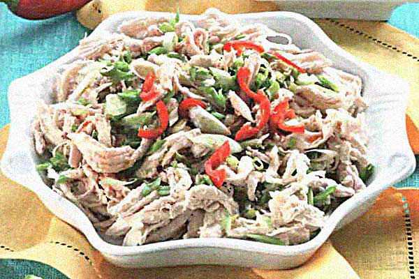 Курица с пастой чили и зеленым луком